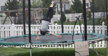 trampolina-cviceni-hubnuti